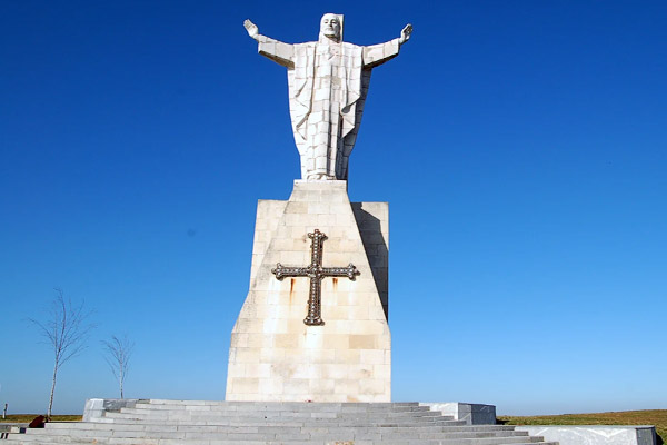 estatua-del-sagrado-corazon